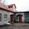 Kuressaare linnavalitsus esitab volikogule kinnitamiseks eelnõu, mille kohaselt pikeneks lastele varjupaigateenuse osutamise leping veel viie aasta võrra. Linnavalitsus soovib volikogult nõusolekut laste varjupaigateenuse lepingu pikendamiseks põhjusel, et seni Kauba tänaval varjupaiga teenust osutanud EELK Kuressaare Laurentiuse kogudusega sõlmitud lepingu viieaastane tähtaeg lõppes möödunud aasta lõpus.