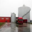 2005. aasta sügisel põllumajandusminister Ester Tuiksoo osavõtul pidulikult avatud Jööri biojäätmete käitlemise tehas on silmitsi tõsiste tehniliste probleemidega ning töötab avariiohtlikus seisukorras. Tehase omanik OÜ Saare Economics on võtnud tehase sisseseade paigaldanud Belgia firma ECOMAC NV vastu ette kohtutee.