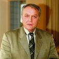 Rahvaliidu volikogu kinnitas eile Tallinnas Saare-, Hiiu- ja Läänemaa esinumbriks riigikogu valimisnimekirjas Raimu Aar-dami. Sotside esinumner meie ringkonnas on Andres Tarand.