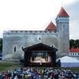 Saaremaa majutusettevõtted keelduvad koostööst Kuressaare ooperipäevade peakorraldaja Ludmilla Tooniga, kelle tasumata võlad on ettevõtjatele kaasa toonud pettumust ja majandusprobleeme.