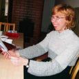 """Kolmapäeva pärastlõunal esitles Hellamaa külakeskuses oma kolmandat luuleraamatut """"Tasakaalu tiivad"""" muhulanna Irena Tarvis."""