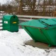 Kuigi Kaarma vald läks sel aastal üle korraldatud jäätmeveole, kasutab enamik valla elanikest edasi olmejäätmete varemkehtinud äraveosüsteemi.  Kaarma vallavalitsuse keskkonna vanemspetsialist Kairi Niit ütles, et Kaarma vald on ilmselt ainus omavalitsus Eestis, kes pakub prügi äraveoks valikuvõimalust.