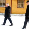 Maavanem Toomas Kasemaa eilne külaskäik Salme valda algas kinnise koosolekuga vallamajas, mille järel vallavanem Kalmer Poopuu ja maavanem avaldasid räägitut lühidalt ka ajakirjanikele.