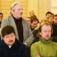 Reedel Lümanda kultuurimajas kokku saanud ligi sada talunikku võtsid vastu otsuse pöörduda oma õiguste kaitseks kohtu poole.