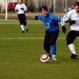 Eesti Jalgpalli meistriliigas esimese kohtumise 0:2 kaotanud FC Kuressaare näitas laupäevases mängus head minekut, hakates tunamullusele Eesti meistrile Tallinna FC TVMK-le kõvasti vastu.