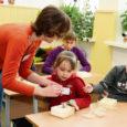 Eile lõppenud koolivaheajalaagris tutvusid Saaremaa kodutütred mitmesuguste elukutsetega.