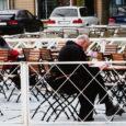 Kuressaare linnavalitsus otsustas esmaspäeval mitte lubada sel aastal avada välikohvikuid Lossi ja Tallinna tänaval. Otsus tekitab juba aastaid välikohvikut pidanud ettevõtjate seas rahulolematust.