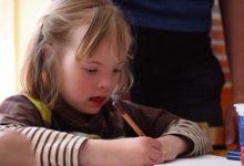Toimetulekuklassid joonistasid üheskoos võlulille