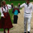 """Eile toimus Kärla pargis Kärla laulu- ja tantsupidu """"Kodus olla kõige parem""""."""