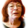 On pühapäeva pealelõuna Eesti ääremaadel. 94-aastane Manda lõpetab just Vikerraadio kella neljaste uudiste kuulamist, kui siseneb kena keskealine naine.