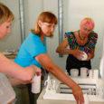 Kolmapäeval katsetati Kuressaare erakunstikoolis Anne uusi keraamikaahjusid, mille soetamiseks kulus ligi miljon krooni.