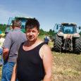 Laupäeval said sajad saarlastest põllumehed Saiklas uudistada uusi traktoreid ja põllutööriistu, mis sobivad Saaremaa kivistele põldudele.