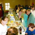 Läinud neljapäeval avas OÜ Saare Kruiis Sõmera keskuses esmatarbe- ja toidukaupade poe, milleta ümberkaudsed elanikud on pidanud läbi ajama juba üle aasta.