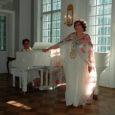 Laupäeval kell 19 esitleb mittetulundusühing Colla Voce Kuressaare raekojas Eesti muusikateatri primadonna Margarita Voitese poolesajandat lavajuubelit tähistavat ja loomingu paremikku koondavat plaadikogumikku.
