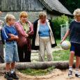 Eile Orissaare vallas Orinõmme küla hinnanud viieliikmeline Aasta Küla komisjon eesotsas Riigikogu esimehe Ene Ergmaga leidis eest lastelembelise ja koostööalti maakoha.