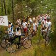 Laupäeval kihutasid Ruhnu saarel võidu uljad jalgratturid.