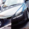 Kuressaarde kinnisvaraäri ajama tulnud meediatäht Liis Lass unustas eile Linnateatri parklas oma autole käsipiduri peale tõmbamata, mistõttu auto iseenesest liikuma hakkas.