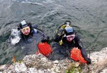 Sukeldujad leidsid karjäärist ohtralt pudeleid ja raudteerelsse