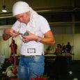 Eelmisel nädalal tunnistati Orissaares lillepoodi Reinelill pidav Reine Väli 2007. aasta Eesti meistriks lilleseades. Tartus toimunud vabariiklikul lilleseadevõistlusel osales 16 võistlejat, keda abistasid assistendid.
