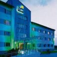 Interneti töökuulutuste portaalides pakutakse tööd kümnele erinevale kohale Saaremaa Spa Hotels ketis. Lisaks on sama keti sanatooriumitest hiljuti lahkunud või koondatud mitmeid-kümneid inimesi.