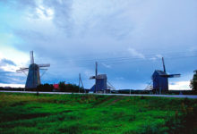 Angla tuulikute tulevik: üks tuulik jahvatama, teine öömajaks