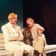 """Möödunud reedel avas Kuressaare Linnateater üheksanda hooaja. Avaetenduseks oli Edward Albee """"Loomaaialoo"""" teine esietendus. Esmakordselt kohtus see lavastus publikuga Tartus festivali Draama võistlustules."""