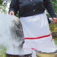 Laupäeval tähistas Kihelkonna kandi rahvas Mihkli talumuuseumis laada, seenenäituse, villavärvimise ja võistlusmängudega mihklipäeva.