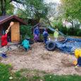 Kuressaare linnas tegutsevad eralasteaiad Kõige Suurem Sõber ja Kesklinna eralasteaed pöördusid linnavalitsuse ja -volikogu poole taotlusega kompenseerida juba järgmisest aastast lasteaedades käivate laste pearaha praeguse 80 protsendi asemel 100 protsenti.