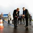 Eile ennelõunal maandus Kuressaare lennuväljal Tallinnast startinud 33-kohaline reisilennuk Saab 340, mis hakkab kaks korda nädalas, neljapäeviti ja pühapäeviti kurseerima Estonian Airi uuel lennuliinil Tallinn–Kuressaare–Stockholm.