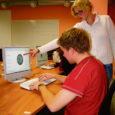 Kuressaare ametikoolis alustati infotehnoloogia õpetamist 1999. aastal. Esialgu vaid keskkooli lõpetanutele mõeldud üheaastasest kursusest arenes 2002. aastaks kaheaastane arvutiteeninduse eriala ja alates 2005. aastast hakati põhjalikumat arvutiõppe võimalust pakkuma ka põhikooli lõpetanutele.