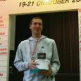 34. Saaremaa kolme päeva jooksu, kus läbitakse maratonidistants, võitis kokkuvõttes ülekaalukalt Vjatšeslav Košelev (fotol), kellele see on kuues üldvõit antud võistlusel. Naistest oli parim Kaja Vals. Saarlastest oli kiireim mees Kalev Õisnurm ning naine Taimi Kangur.