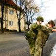 Viimasel Kuressaare linnavolikogu linnakodaniku komisjoni koosolekul avaldas linna heakorra spetsialist Lembit Rätsep arvamust, et Kuressaare linnas heakorra tagamiseks tuleb kaasata kaitseliitlased.