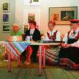 Reedel jutustasid Kuressaare vanalinna kooli ja Saaremaa ühisgümnaasiumi lapsed 16. pärimuspäeva raames Kuressaare kultuurikeskuses vanaemade-vanaisade lugusid.