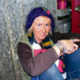 Käesoleva aasta Eesti meister lilleseades Reine Väli (39) peab Orissaares poodi Reinelill, korraldab suurtele inimestele ja lastele kursusi, maalib hobi korras, teeb sporti, hoolitseb Orissaare heakorra eest ja on kõige selle kõrvalt üles kasvatanud kolm last.