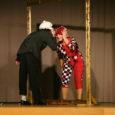 Kuressaare gümnaasiumi järjekorras üheksas Suur Teatriõhtu tõestas ilmekalt, et kooliteatri tegemine on Kuressaare koolides au sees. Seekord oli iga-aastase ürituse teemaks Eduard Bornhöhe looming, mille tulemusena jõudis kuue tunni jooksul rahva ette 16 erinevat tõlgendust kirjaniku loomingust.