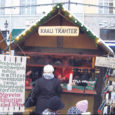 Aga kus on kuulus vill? Proovin selgust saada Tallinna vanalinnas peetavate rohkete turgude-laatade stiilides ja korraldajates. Ühtlasi huvitun, kas ja kuidas Saaremaa käsitöölised ja väikeettevõtjad sellistel üritustel esindatud on. Sest laupäeval avati pealinnas Raekoja platsil järjekordne jõuluturg.