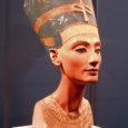 Täna täpselt 95 aastat tagasi, 1912. aasta 7. detsembril, avastas Saksa ajaloolane egüptoloog Ludwig Borchardt (1863–1938) Vana-Egiptuse linna El-Amarna väljakaevamistel enam kui 3000 aastat vana Nofretete büsti.