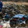 Laupäeva, 15. detsembri hommikul kell 10.30 edastati politseile teade, et Kuressaare linnas Marientali teel on Olerexi tankla juures sõiduauto kraavis katuse peal.