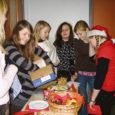 Reedel 21. detsembril toimus Saaremaa ühisgümnaasiumis üks jõulumeeloluline ja isevärki ettevõtmine: esimene suur jõululaat.