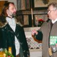 23. detsembril tänati EELK Püha Jakobi kirikus sakraalhoone restaureerijaid. Koguduse juhatuse esimees Matti Mägi andis kunstiajaloolasele Juhan Kilumetsale üle sümboolse kella, märkimaks keskaegse kiriku seintes peitunud leide ning juba tehtud ja veel eesootavat tööd.