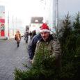 Kuressaare Lions klubi teenis jõulude ajal toimunud heategevuslikust kuusemüügist ja annetustest 16 000 krooni, millega aidatakse puuetega inimesi ja vanureid.