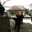 Eilsel Vabadussõjas võidelnute mälestuspäeval asetati Kuressaares Vabadussõja monumendi jalamile pärgi ja süüdati küünlaid.