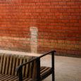 """Kuressaare linnavalitsuse üleskutsele pakkuda noortekeskusele ruume laekus kuus pakkumist. Lähemal vaatlusel ei vastanud aga mitte ükski neist keskuse vajadustele. """"Pakutud variandid vajasid kõik suuremal või vähemal määral remonti või ümberehitust, […]"""