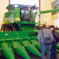 Nädal aega veetis Stokkeri (John Deere'i esindaja Eestis) delegatsiooni koosseisus Ameerika Ühendriikides Kõriska küla talumees Kaido Kirst, külastades põllumajandusmasinaid tootva maailmakuulsa firma tehaseid Chicagos ja suurlinna lähedal asuvaid farme.