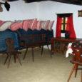 Jaanuari lõpus Ungaris Somogy' maakonnas Kaposvàri linnas toimunud muuseumidepõhise rahvusvahelise INTEXTEX projekti käsitöö- ja tootearenduse II seminaril esindasid tänavu oma saart ja riiki Muhu muuseumi töötajad Helen Pihl ja Marie Saarkoppel.