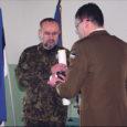 Eilsel Vabariigi 90. aastapäeval tunnustati Kaitseliidu Saaremaa maleva staabis tublimaid organisatsiooni liikmeid.