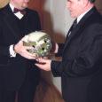 """Raadio Kadi kuulajate lõppenud hääletusetulemuste põhjal sai Saaremaa Aasta Tegija 2007 tiitli Saaremaa Tarbijate Ühistu juhatuse esimees Peeter Kilumets. Peeter Kilumets ütles Oma Saarele, et Aasta Tegija tiitli saamine on talle väga oluline tunnustus. """"Eks me oleme Saaremaal tarbijaühistuteenust juba pikalt pakkunud – koguni 105 aastat,"""" mainis Kilumets. """"Ma olen sellest 51 aastat tarbijaühistutööga tegelenud,"""" lisas ta."""