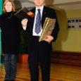 Teisipäeval käisid Comeniuse projekti raames Salme põhikoolil külas Ungari Instituudi direktor dr. Gyula Dàvid ja Tartu ülikooli tudeng Marie Saarkoppel, et tutvustada õpilastele ungari tavasid ja keelt.