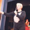 Laupäev oli Valjala rahvamajas tõeline tantsupäev, mille esimeses pooles õppisid maakonna naisrahvatantsurühmad selgeks ühe 2009. aasta tantsupeo tantsu, ja päeva teist poolt sisustas kontsert.