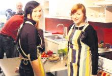 Kuressaare gümnaasiumi tüdrukud teevad telesaates põnevaid toite
